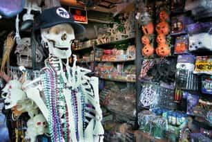 Haunted House New York Skeleton Prop